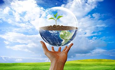 Eine Glaskugel als Symbol für den Klimaschutz